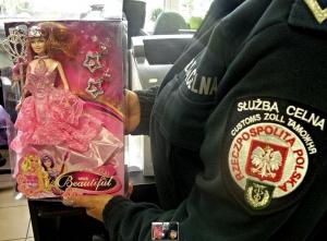Niebezpieczne dla zdrowia lalki z Chin trafiły do Polski