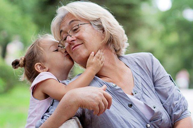 Babcia wychowuje wnuki