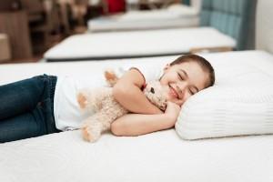 Czym kierować się podczas wyboru materaca dla dziecka? Jaki rozmiar wybrać?