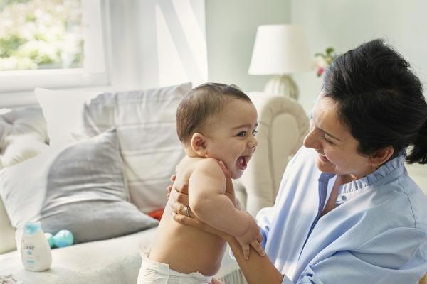 Pielęgnacja niemowlęcia z Baby Dove