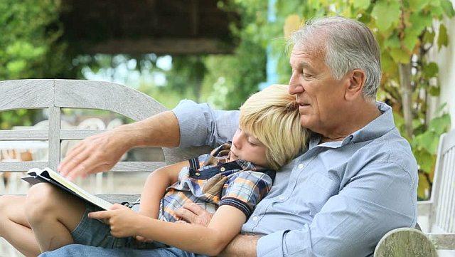 Dziadek wychowuje wnuki