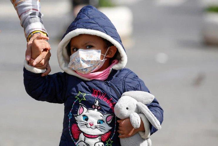 Jak chronić dziecko przed zarażeniem koronawirusem