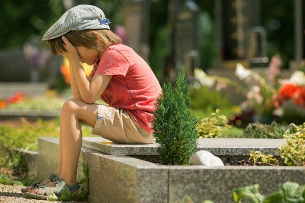 rozpacz dziecka po śmierci