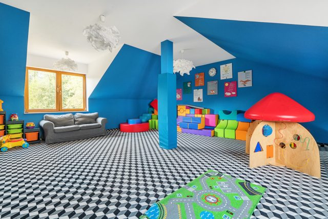 Beskidy z dziećmi - Villa Źródło sala zabaw
