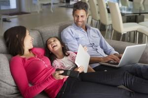 Ile kosztuje pieczenie ciasta i oglądanie telewizji? Sprawdź, jak obniżyć rachunki za prąd