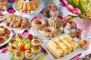 Jak samemu poświęcić pokarmy na Wielkanoc? Modlitwa na święcenie pokarmów wielkanocnych
