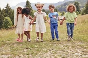 Jak wybrać obuwie dla najmłodszych i trochę starszych dzieci?