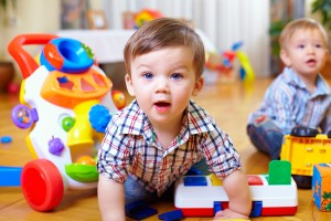 Jeździk dla rocznego dziecka - na co zwrócić uwagę przy zakupie?