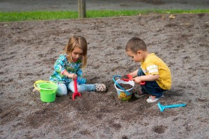 Lovela pomoże w usuwaniu plam z ubranek dzieci
