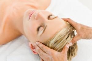 Masaż skóry głowy - sekret pięknych włosów