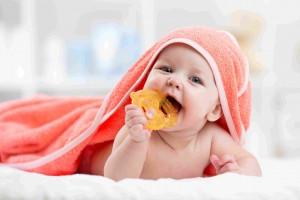 Objawy ząbkowania. W jaki sposób ulżyć maluszkowi?