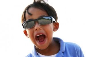 Okulary przeciwsłoneczne i czapka dla dzieci - jakie wybrać?