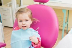 Próchnica u dzieci - przyczyny powstawania i sposoby leczenia