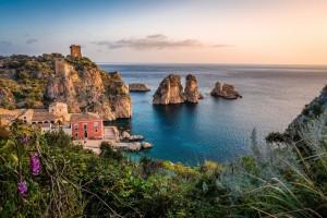 Sycylia - wakacyjna destynacja dla spragnionych słońca, pięknych widoków i przygód
