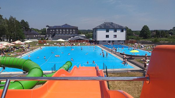 villa verde baseny park wodny