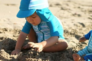 Wakacje nad morzem - kolorowy urlop z maluchem