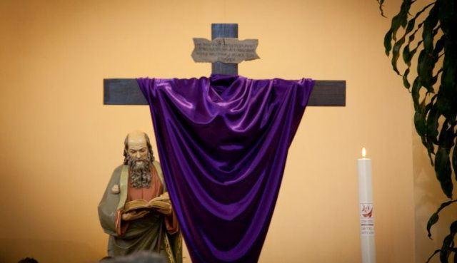 Wielki Tydzień Adoracja Krzyża
