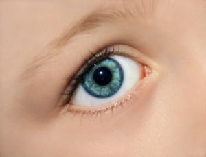 Zaćma wrodzona u dzieci - objawy i leczenie