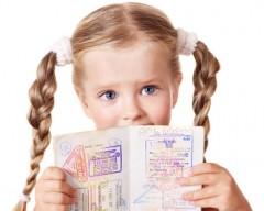 Dokumenty dla dziecka na wyjazd za granicę - dowód czy paszport?