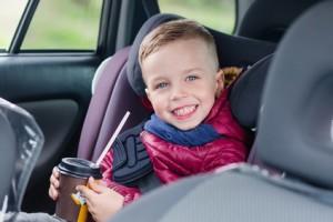 Przepisy drogowe dotyczące przewozu dzieci w krajach Europy